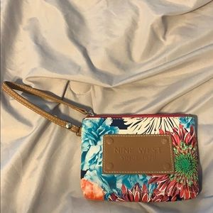 Nine West Bags - Nine West flower wristlet